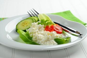 Творог является очень ценным продуктом, источником белка, кальция и других соединений.