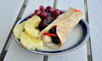 блинчик с фруктами