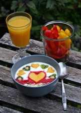 фруктовый завтрак на природе