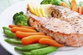 Красиво оформленная рыба на блюде