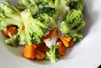 броколли и морковь на пару