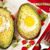 яйцо запеченное в авакадо