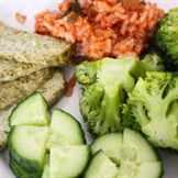 овощи на тарелке