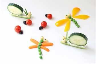 Стрекозы, улитки, божьи коровки из овощей