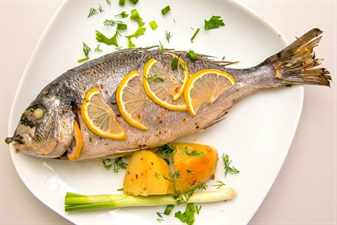 Рыба на блюде