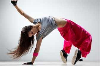 Картинка: шатенка, танец, девушка