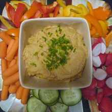 hummus-and-vegetables-600x600