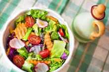 salad-fresh-veggies-vegetables-healthy-diet-food-600x400